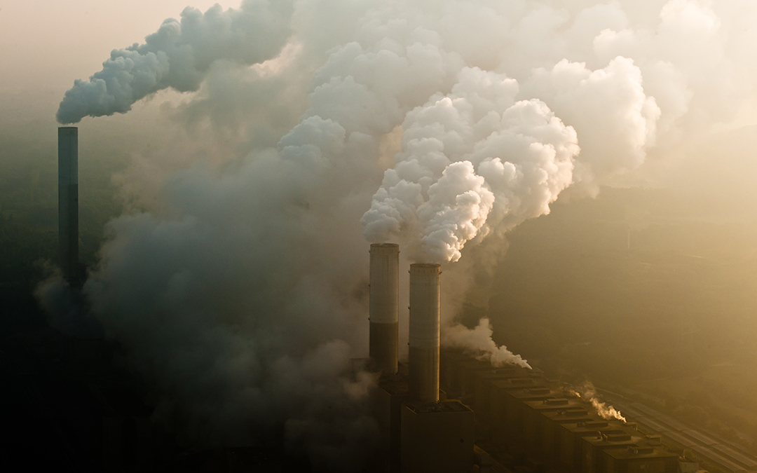 Coal plant billowing pollution